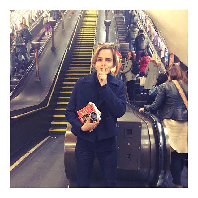 Our Hero Emma Watson Gave Away 100 Books On The London Tube