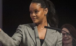 Artikel: Rihanna's Foundation Just Gave $5 Million to Frontline Coronavirus Relief Efforts