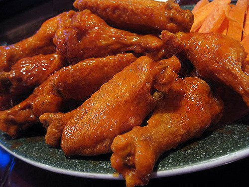 Fried-Chicken-Day-Best-Global-Recipes-BODY-Buffalo wings.jpg