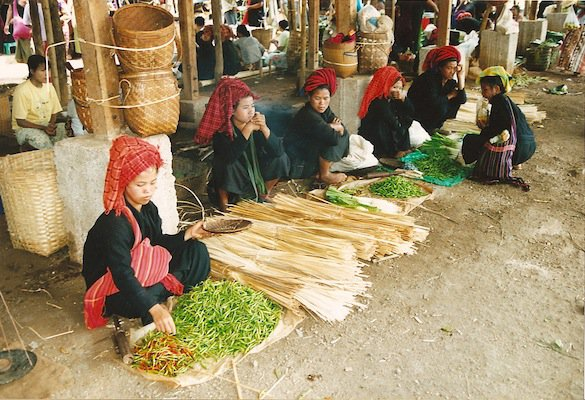 Women selling vegetables.jpg