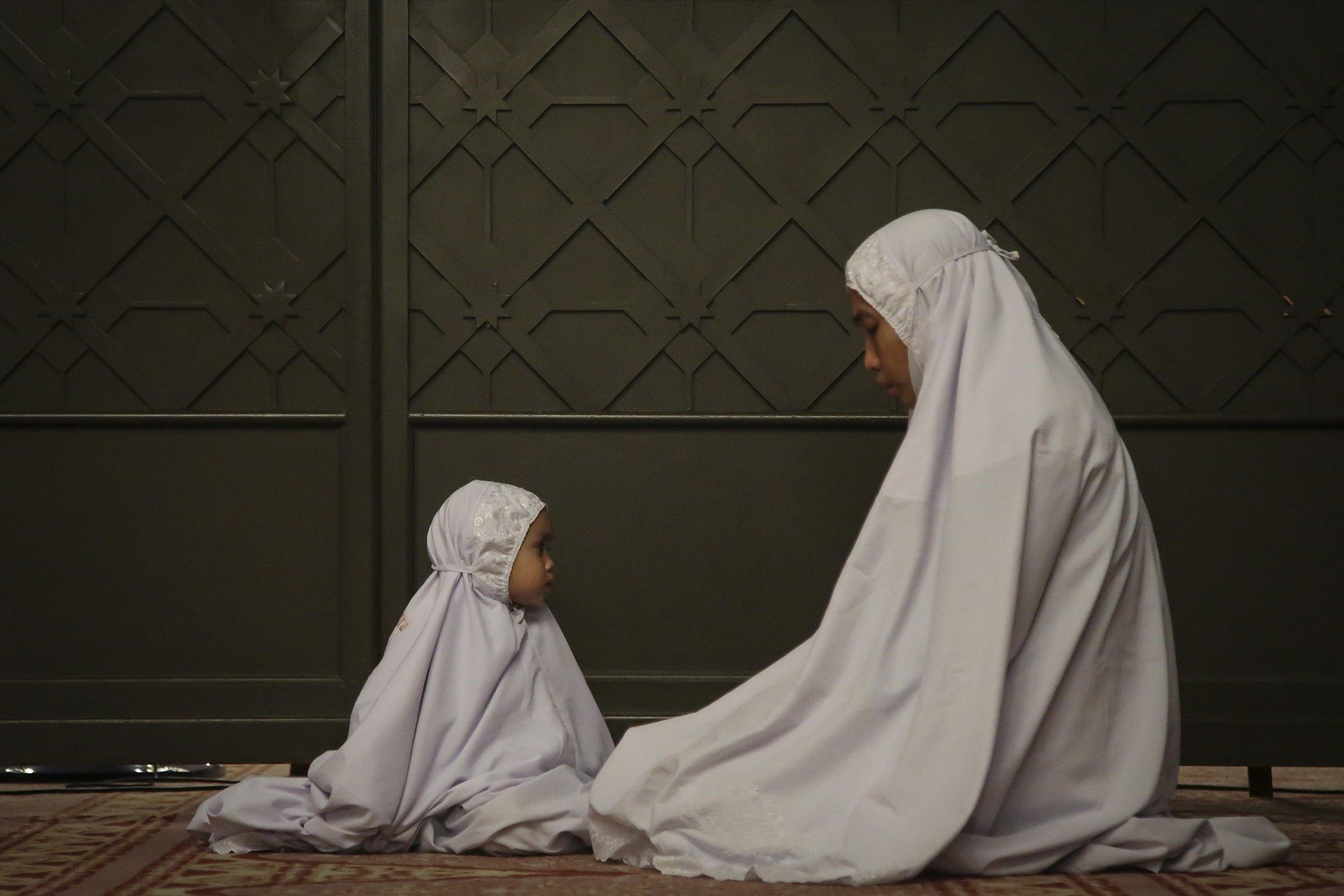 Ramadan-2019-Malaysia-Women.jpg