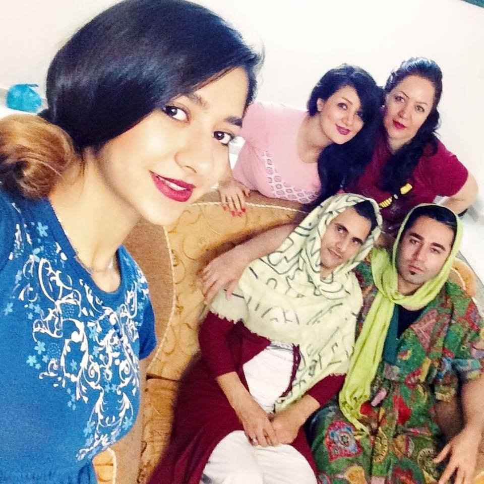 Men in hijab Iran5.png