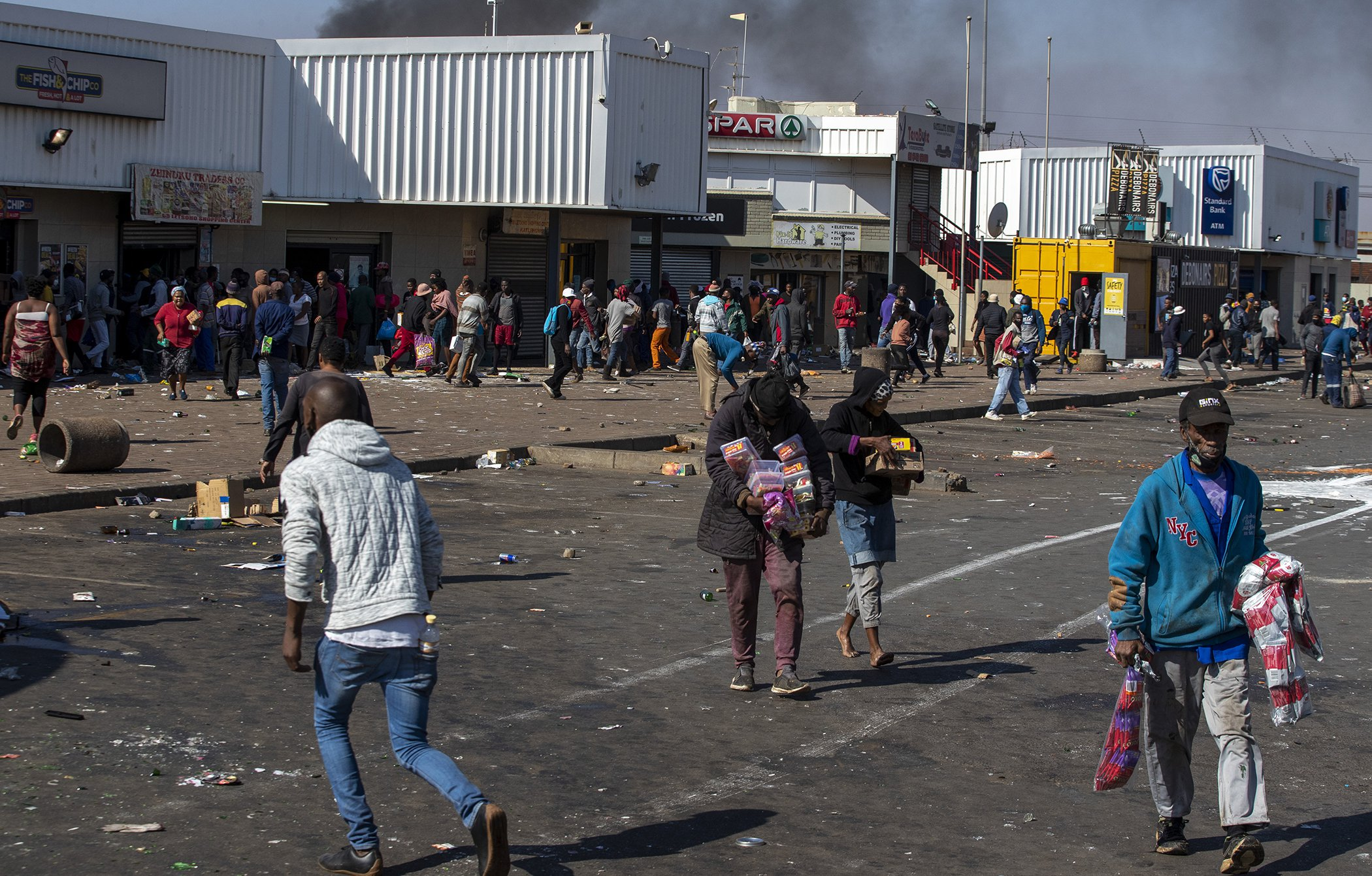 South-Africa-Political-Social-Unrest-Riots-002.jpg