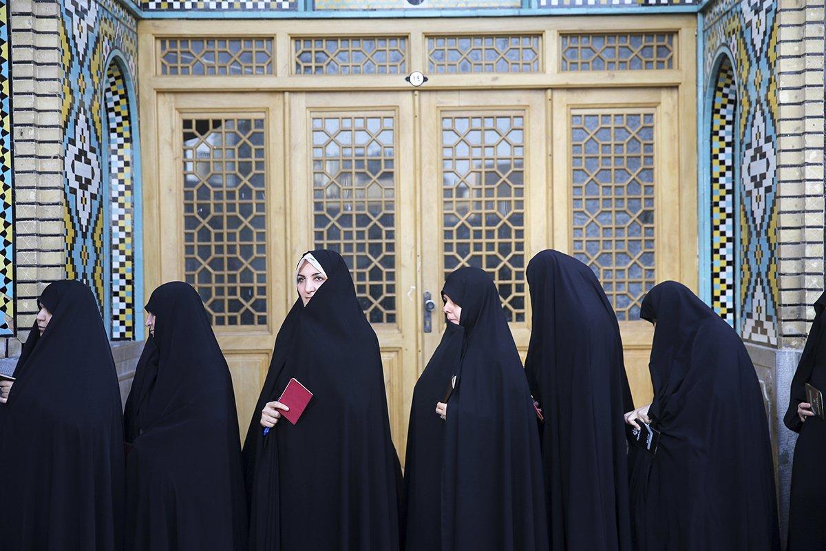 Iran-Election-Women-Voters.jpg