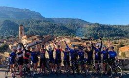 Article: Seuls les hommes peuvent participer au Tour de France. Ce groupe de cyclistes vise à changer les normes.