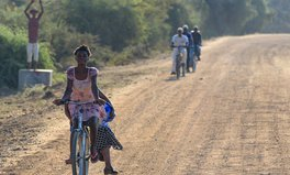 Artikel: How Bikes Helped Cut Malaria Deaths by 96% in This Zambia District