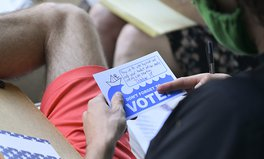 Artikel: 5 Ways You Can Make Your Voice Heard — Even If You Can't Vote