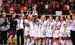 Article: women's soccer team fights gender pay gap