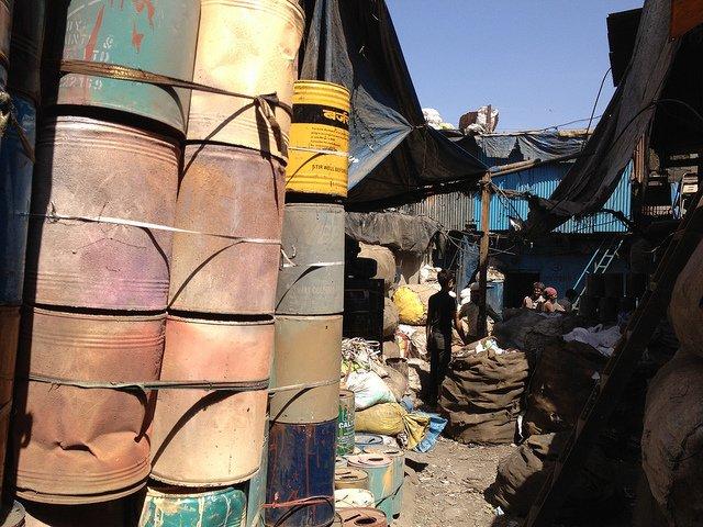 dharavi metal recycling neville mars.jpg