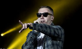 Article: Macklemore Sings for Equality at Australian Rugby Grand Final and Donates to the 'Yes' Campaign