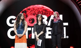 Article: Demi Lovato, Nadia Murad, and 'Syria's Malala' Demand Justice for Refugees at Global Citizen Festival Hamburg