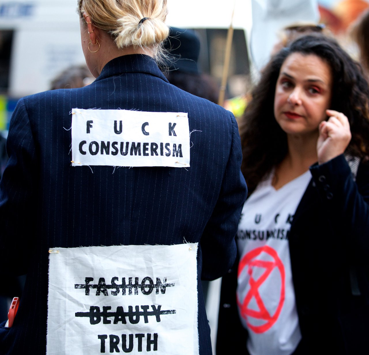 ExctinctionRebellion_Pic5_LondonFashionWeek.jpg