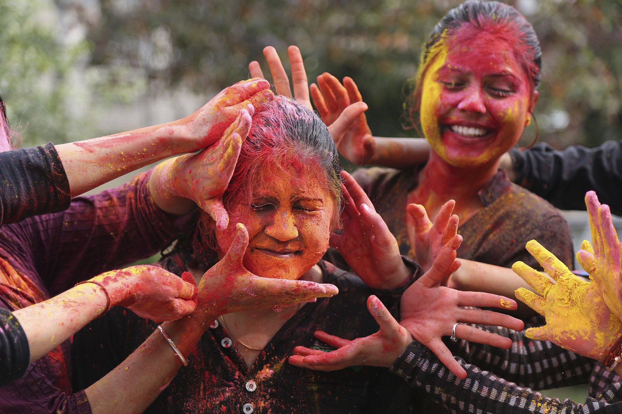 Holi-Festival-Colors-India.jpg