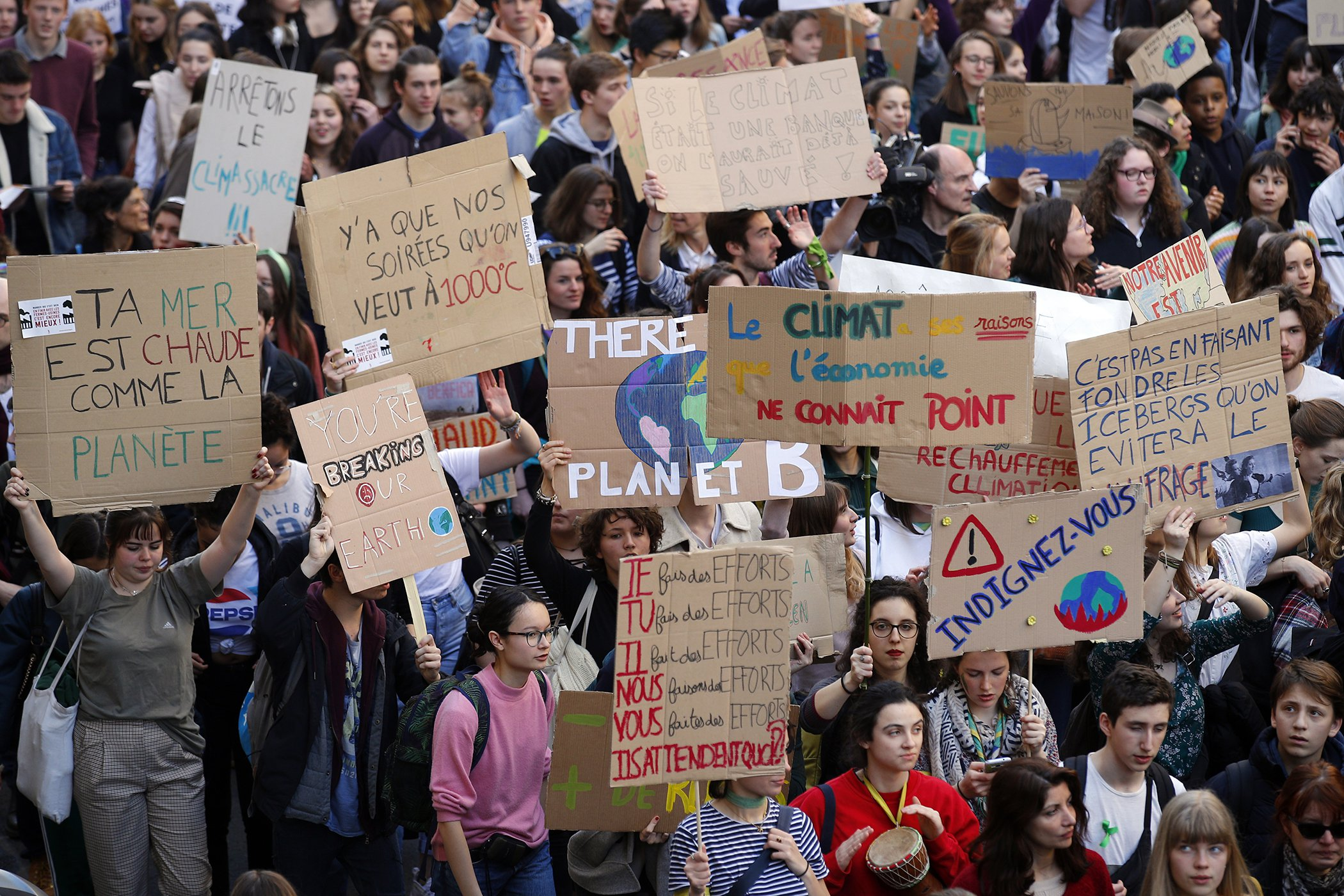 Climate-Marches-France-Students-Youth.jpg