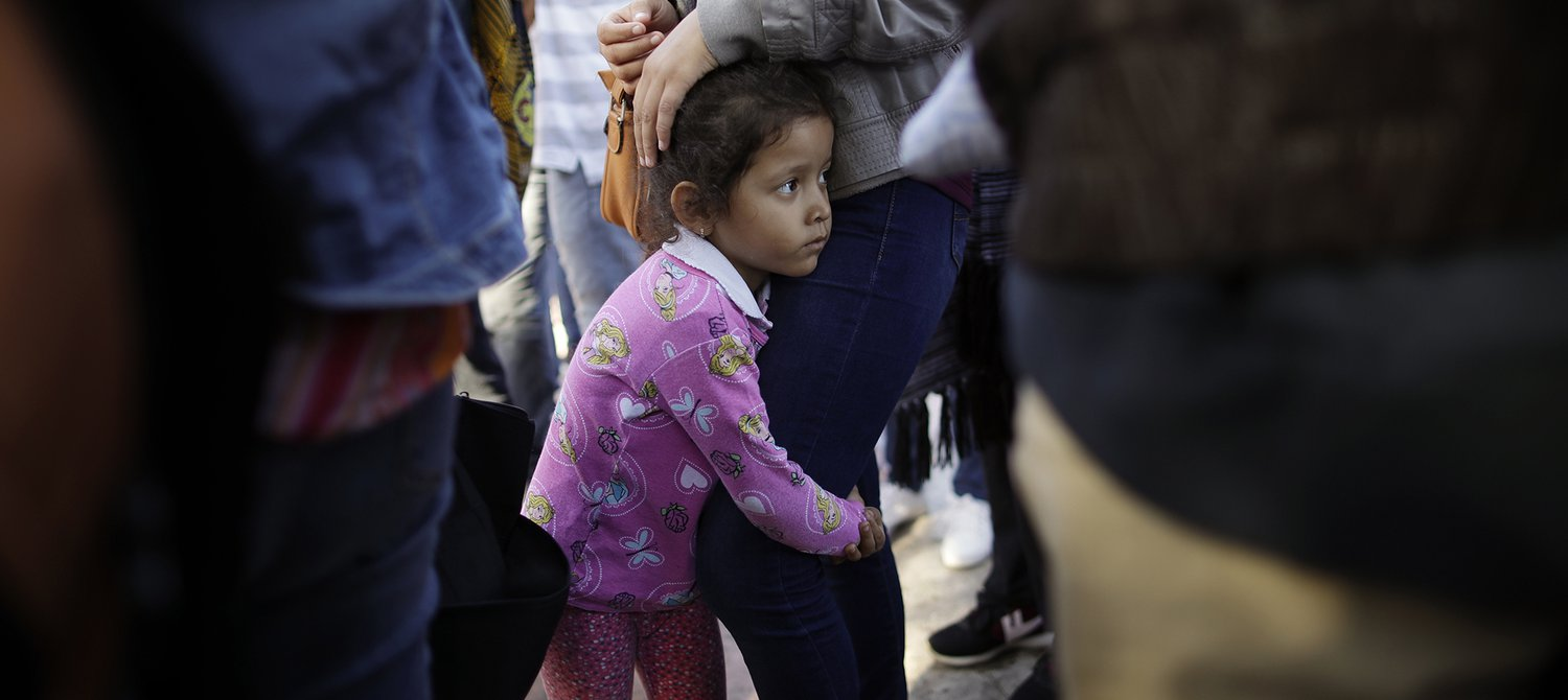 immigration agents take child from mom - 1200×627