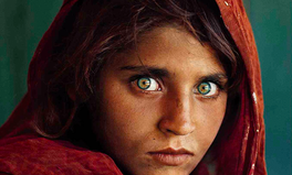 Artikel: Woman on 1985 National Geographic Cover Still an Emblem of Refugee Crisis