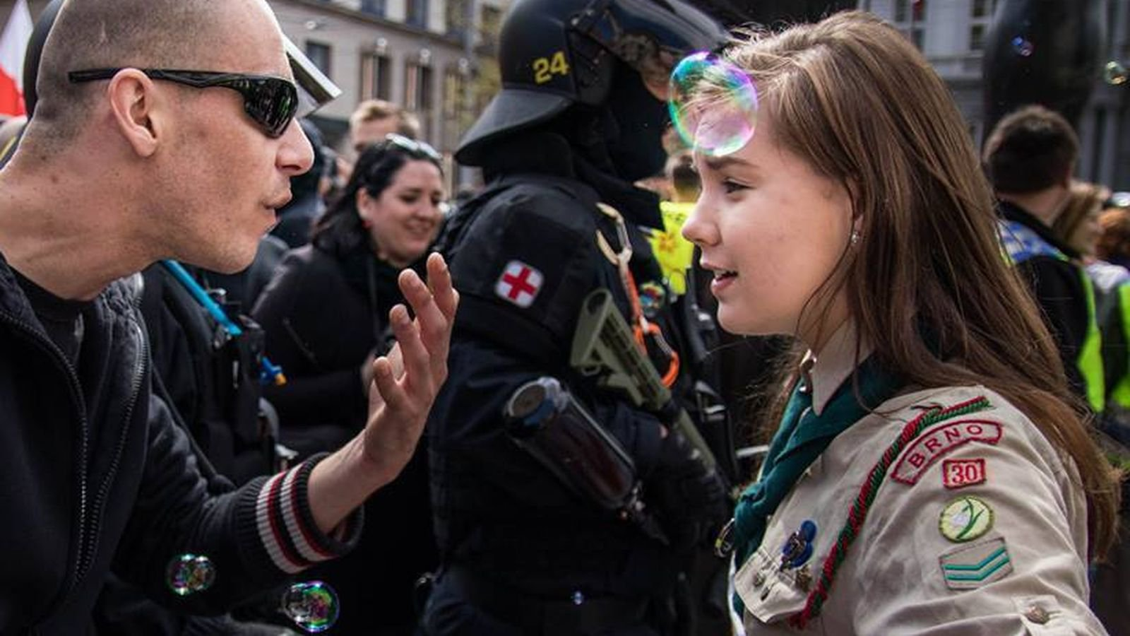 girl scout vs neo nazi