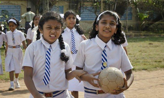pass-the-ball-to-girls!_body1.jpg