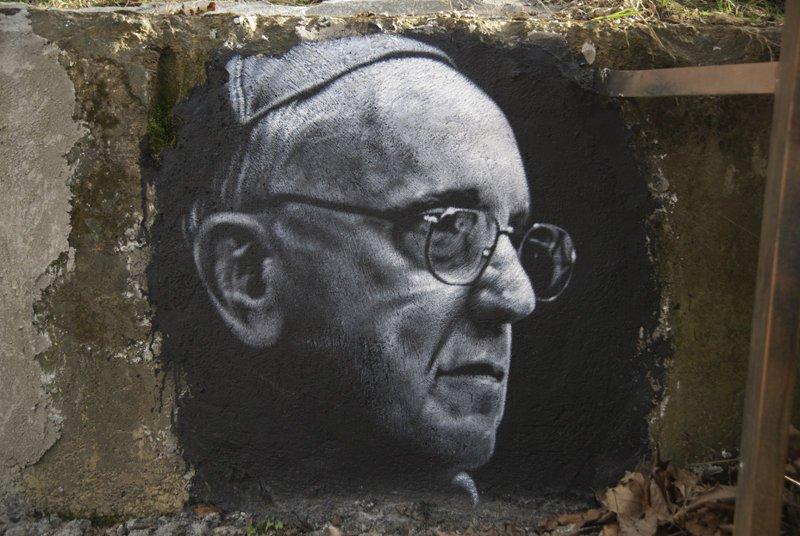 PopeFrancisGraffiti.jpg