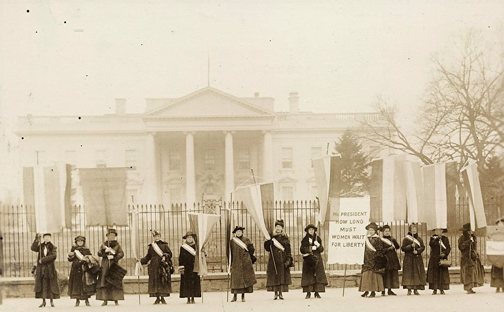 national_womens_party_picketing_the_whit