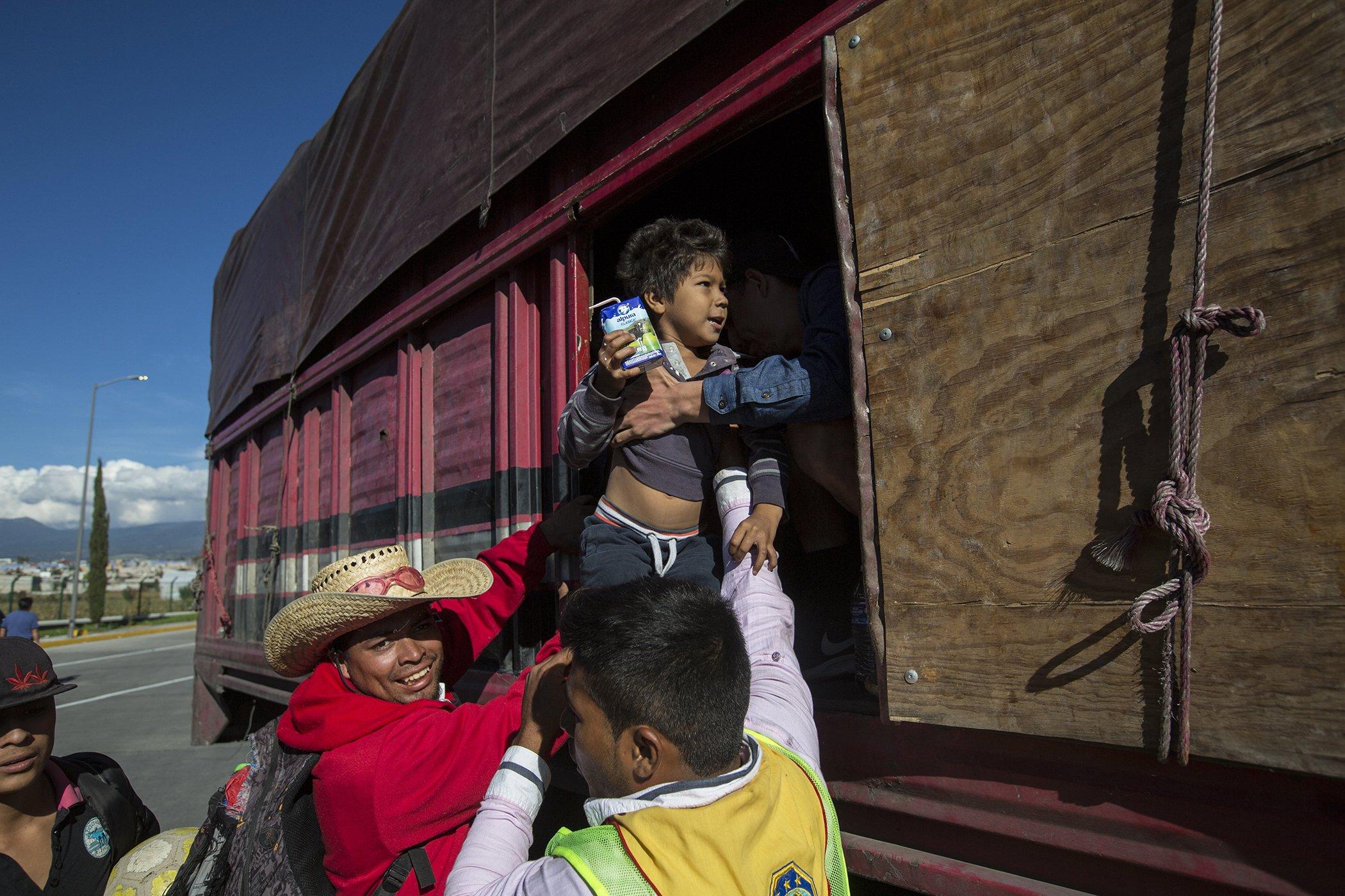 Central-America-Migrant-Caravan-November-2018.jpg