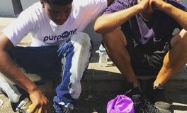 Article: Picture Goes Viral After Teen Gives Shoes to a Homeless Man