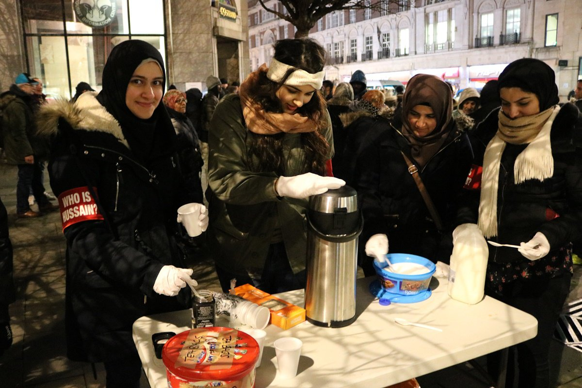 WhoIsHussein7.jpg  British Muslims  serving to London homeless whoishussein7