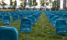Artículo: 3,758 Backpacks Were Placed in Front of the UN to Call for the Protection of Children in Conflict