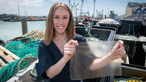 Londoner, 23, Invents Award-Winning Plastic Alternative Made From Fish Scales