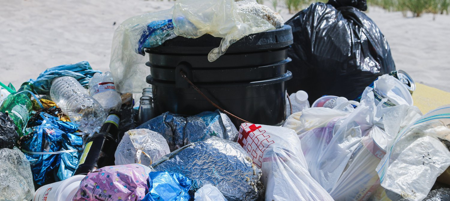 Nigerian Recyclers Reduce Plastic Waste by Exchanging Trash for Cash