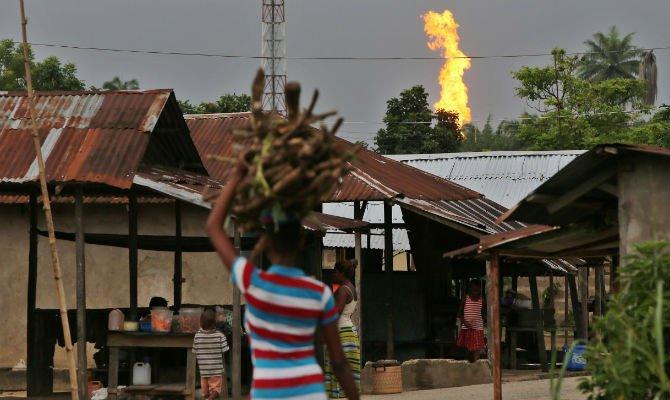 Nigeria gas flare Oxfam.jpg