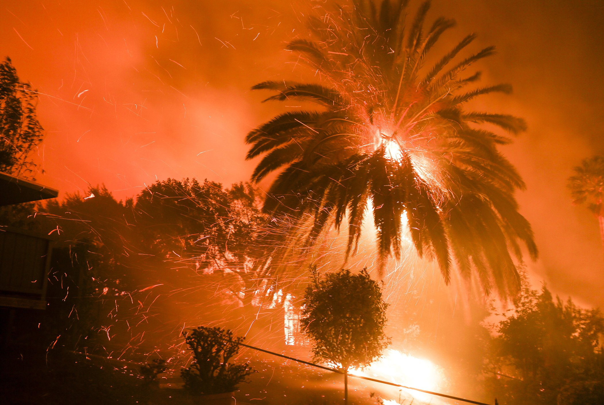 Southern-California-Wildfires-Woolsey-Fire-1.jpg