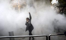 Article: 9 Photos and Videos That Show What's Really Happening at the Iran Protests This Week