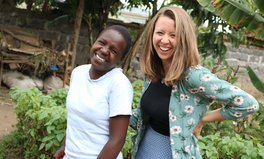 Merkmal: How Global Citizen's Zoë Kelland Fights Extreme Poverty in Her Job and Beyond
