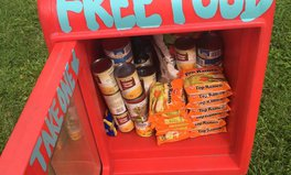 Artikel: Little Free Pantries Making a Big Difference for Those in Need