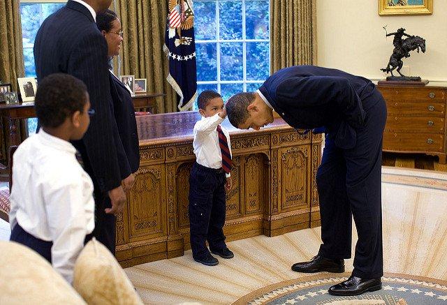 Obama-44-Photos-GC-head-pat.jpg