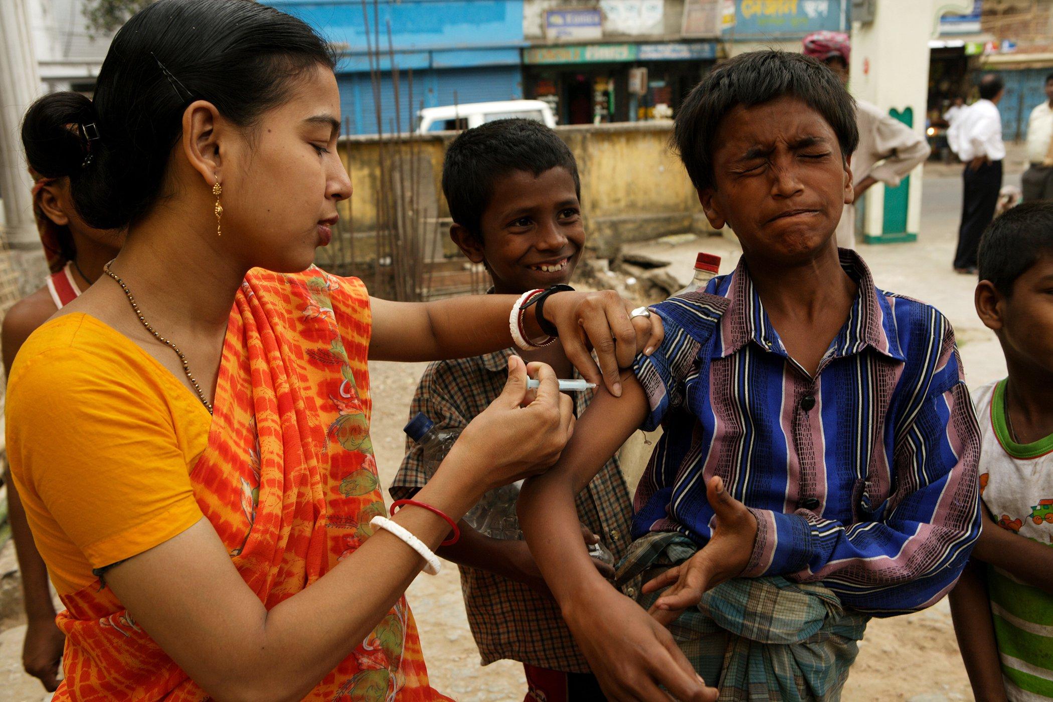 UNICEF_Vaccinations-Around-The-World_007.jpg