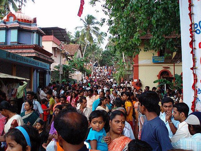 crowded street india