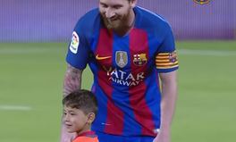 Artículo: Afghan Boy, 6, Meets Idol Lionel Messi and the World Gets a Little Bit Better