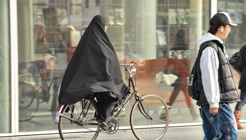 bicycle_riding_in_saudi_arabia.png__1264x568_q85_crop_subsampling-2.jpg