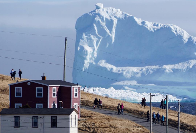 greenland-iceberg-climate-change.png