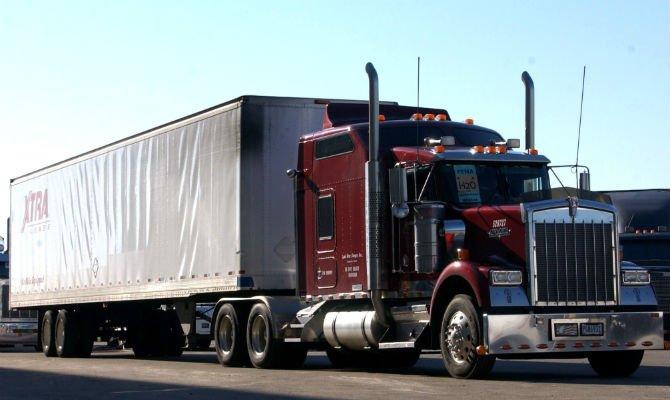 long haul truck most dangerous jobs.jpg