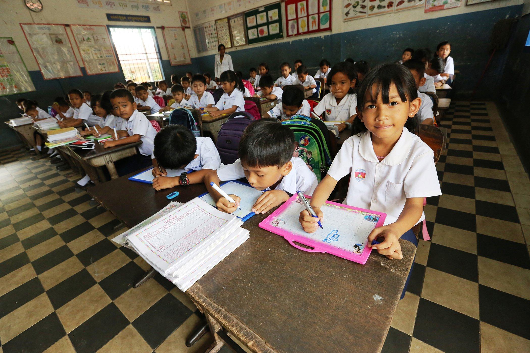 EducationAroundTheWorld_Cambodia_013.jpg