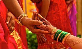 "Artikel: 20 Women in India Die Every Day Due to ""Dowry Deaths"""