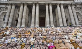 Artikel: The Really Good Reason There Are 700 Bears on This Cathedral in London