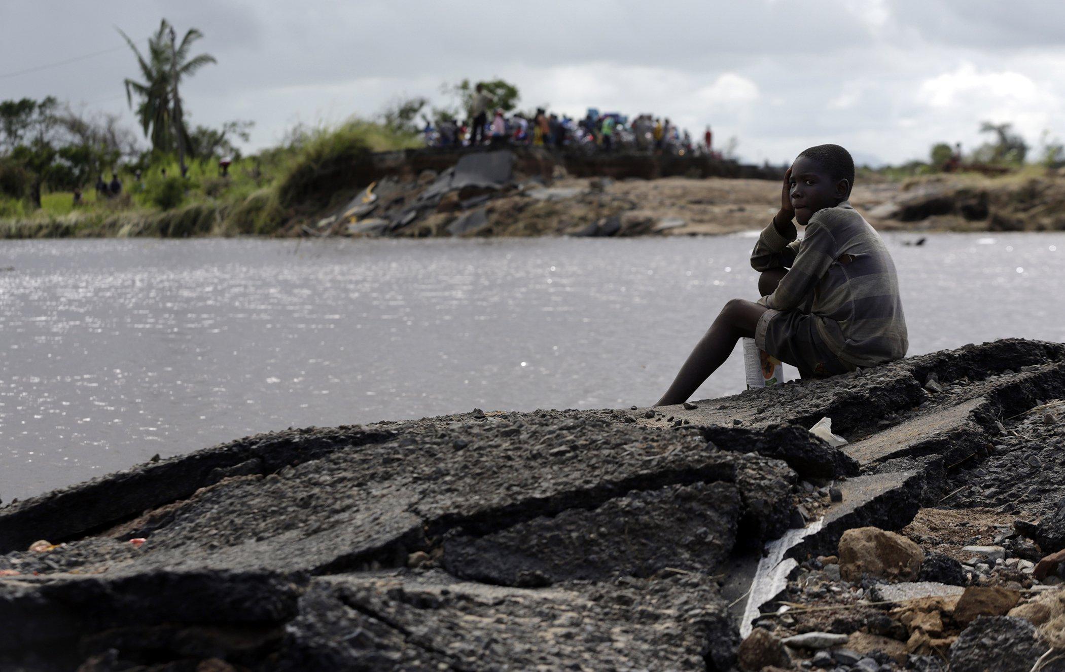 Cyclone-Zimbabwe-Mozambique-Relief-Efforts-Red-Cross.jpg