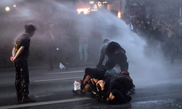 Article: 12 Powerful Images From the G20 Protests in Hamburg