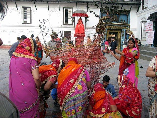 640px-Holika_Dahan,_Kathamandu,_Nepal.jpg