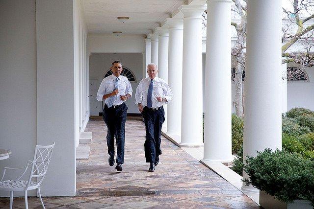 obama-44-photos-gc-jog2.jpg