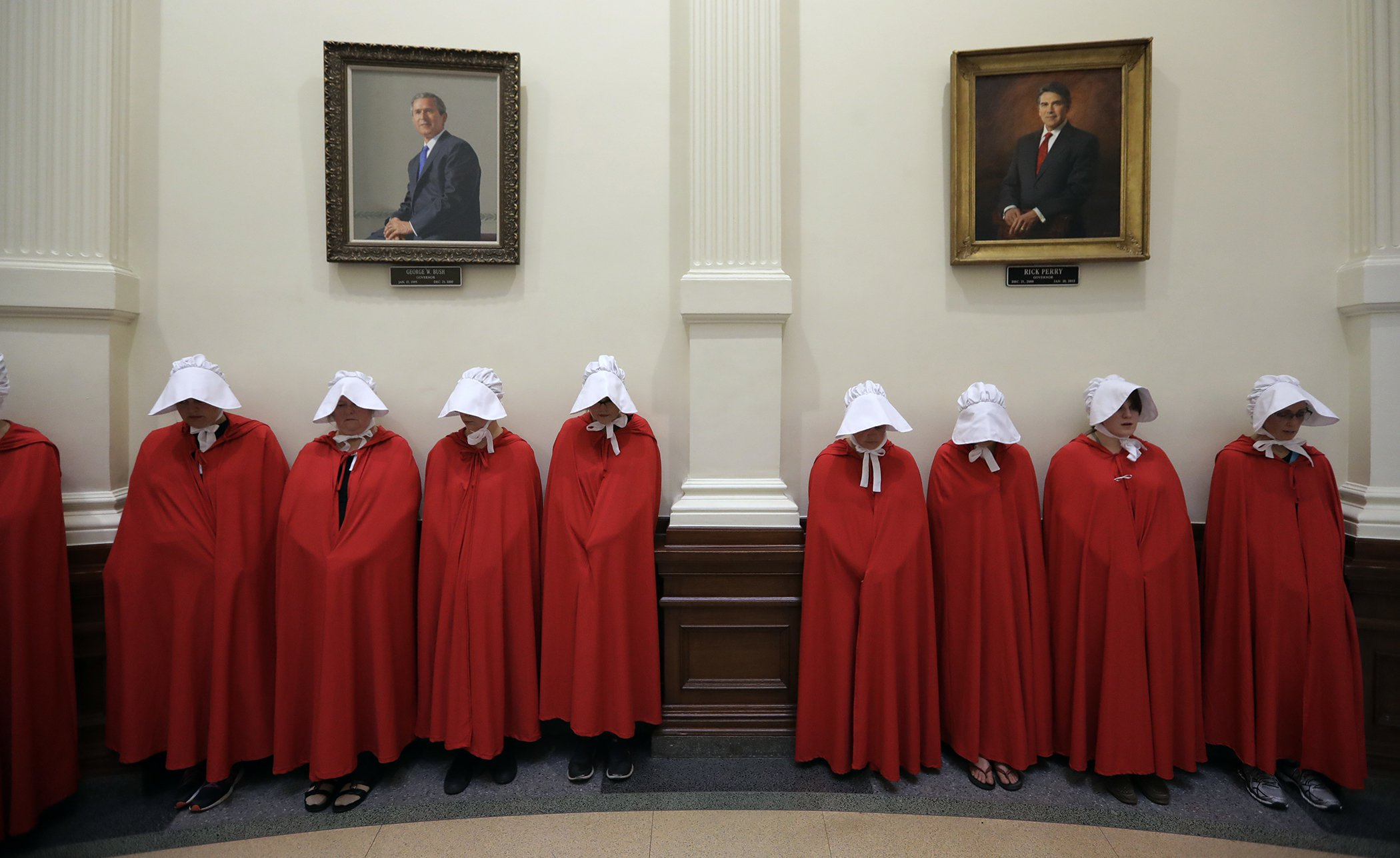 Women-In-2017-Handmaid's-Tale-Protest-Texas.jpg